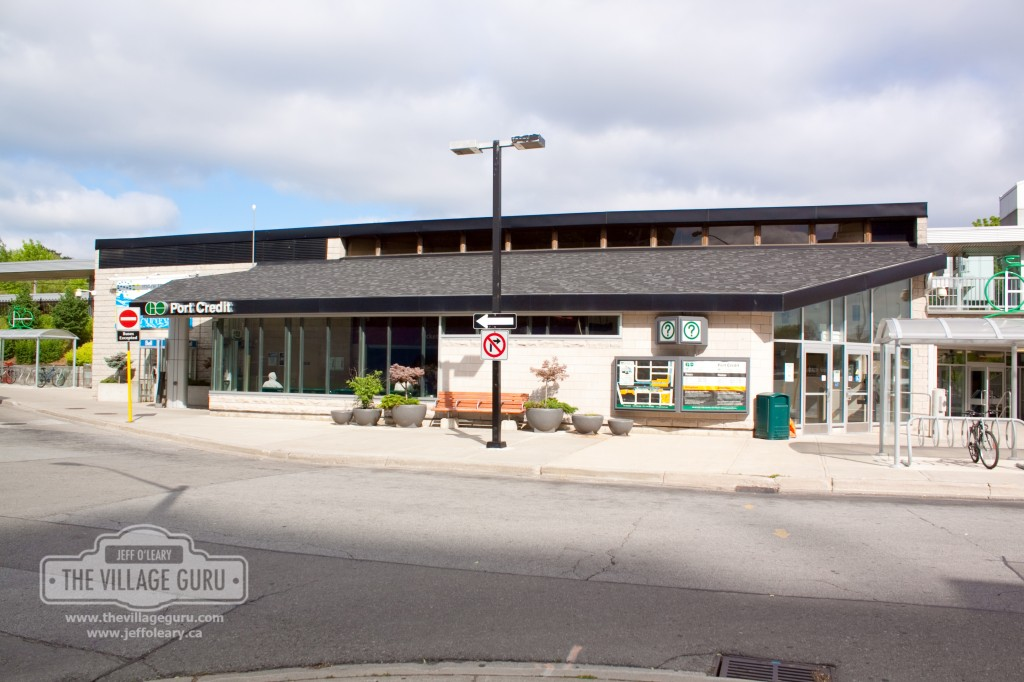Moving to Mississauga find a home by a go train station