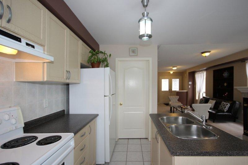 1523 Pinecliff kitchen