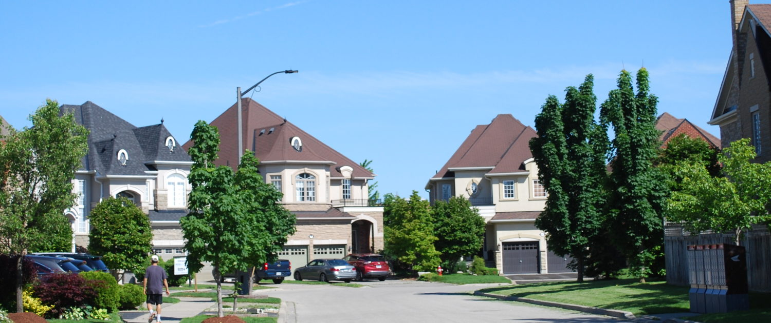 Luxury Homes in Churchill Meadows Mississauga