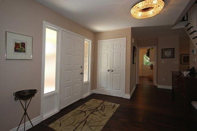 Wide foyer entrance