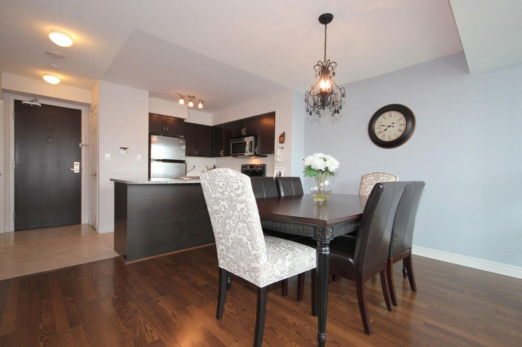The Ultimate in Urban Lifestyle in downtown Mississauga. WideSuites Condominiums