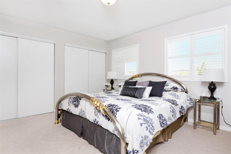 Sold Modern End Unit Town Home In Streetsville The Village Guru