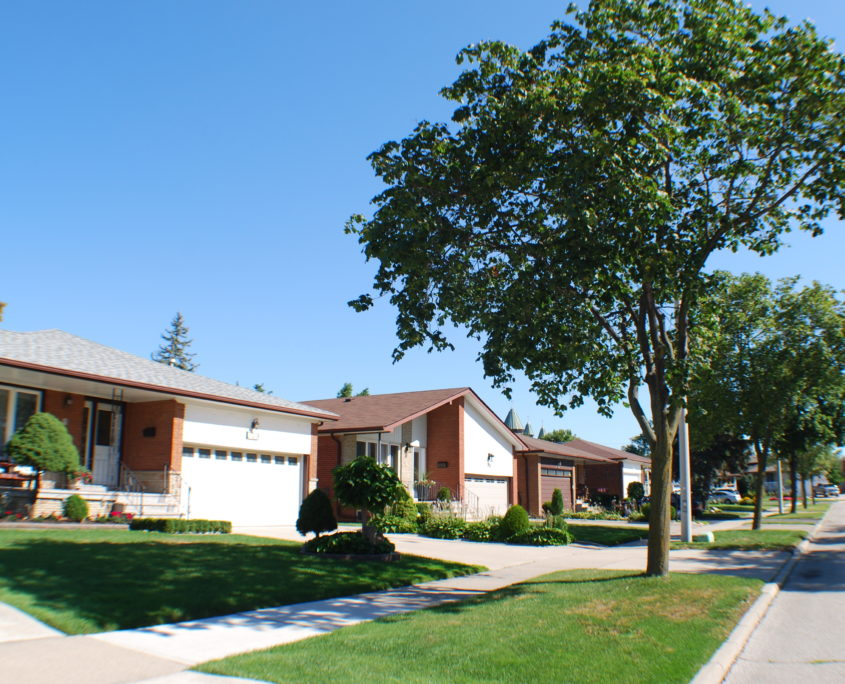a streetview of houses in Mississauga Valleys