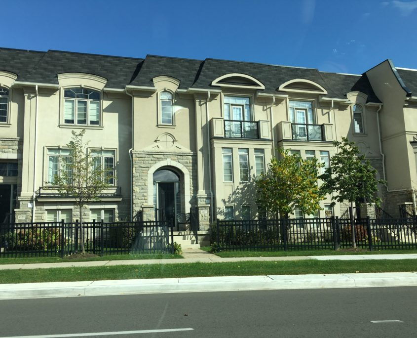 shipp place town houses in the Mississauga city centre