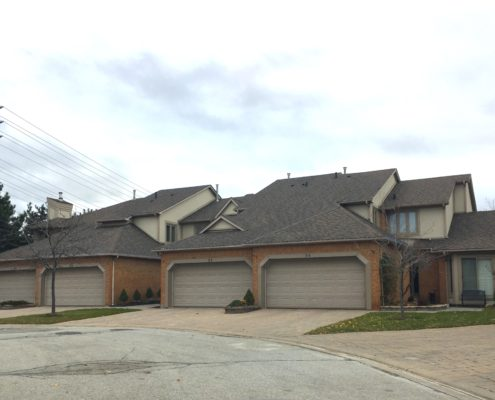1724 the chase town house complex in erin mills