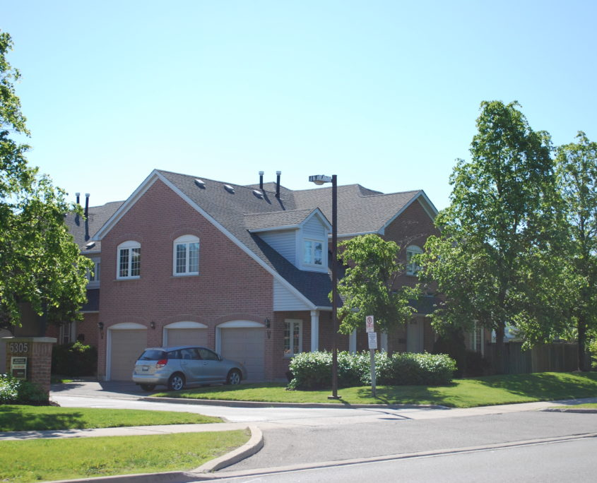 Daniel's town homes in Central Erin Mills