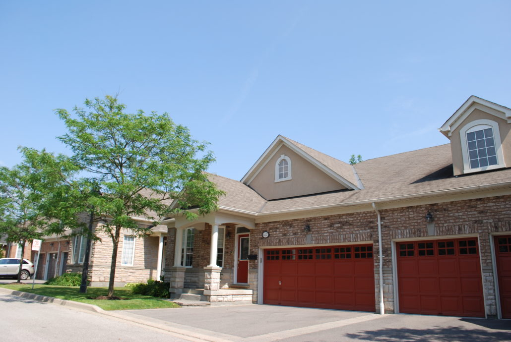 Rivergate place town houses streetsville mississauga